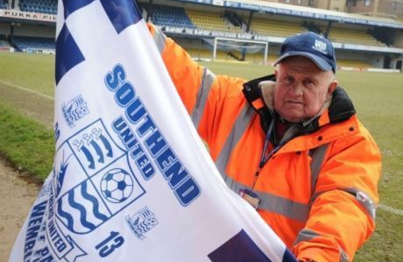 Ray Davy with Southend United Flag