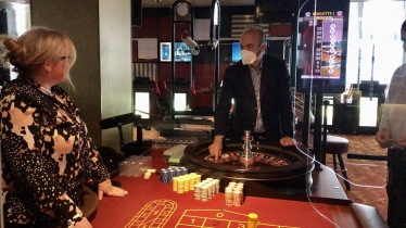James visits Southend casino